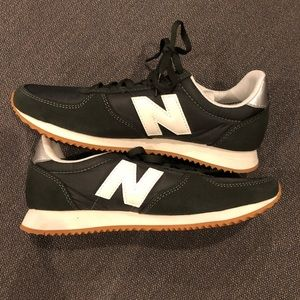 New balance sneakers WL220